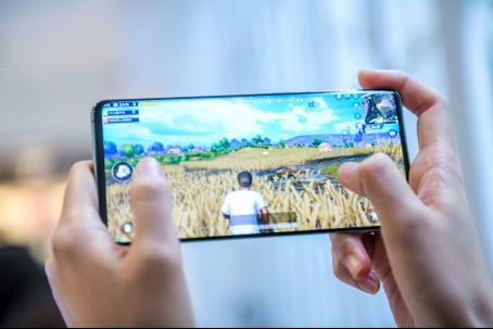 性能跑辩白话 三星视频教程Galaxy S10+完胜华为P30 Pro