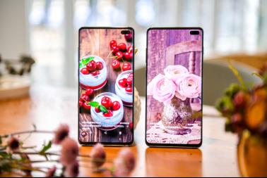 手机屏幕实力PK!三星Galaxy S10+全方位碾压华为P30 Pro